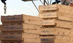Los envases de madera para pescado reivindican su higiene