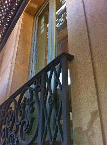 El grupo CARINBISA fabrica balconeras acústicamente eficaces