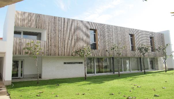 GABARRO convoca unas jornadas técnicas sobre madera termotratada y solid surfaces para revestimiento de edificios