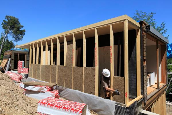 Sistema de aislamiento para fachada ventilada RedAir Woods, de ROCKWOOL