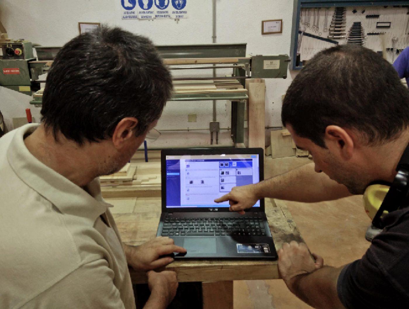 El Centro Nacional de Madera, Mueble y Corcho y el Instituto AIDIMA testean con éxito el innovador sistema formativo TELLME