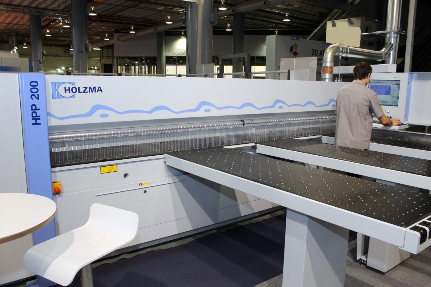 Nueva seccionadora HPP 200, de HOLZMA