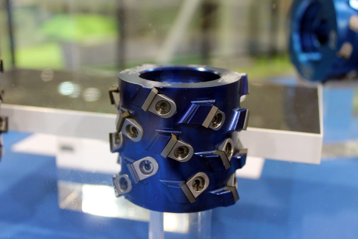 PREZISS presenta un innovador sistema de herramientas para canteado y galceado