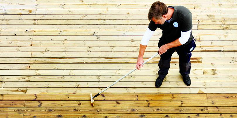 Preparar la tarima de madera de exterior con BONA