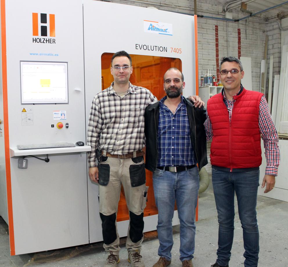 De izquierda a derecha Aleix Biosca, Enric Farré (delegado de Airmatic en Lleida) y Toni Bernaus.