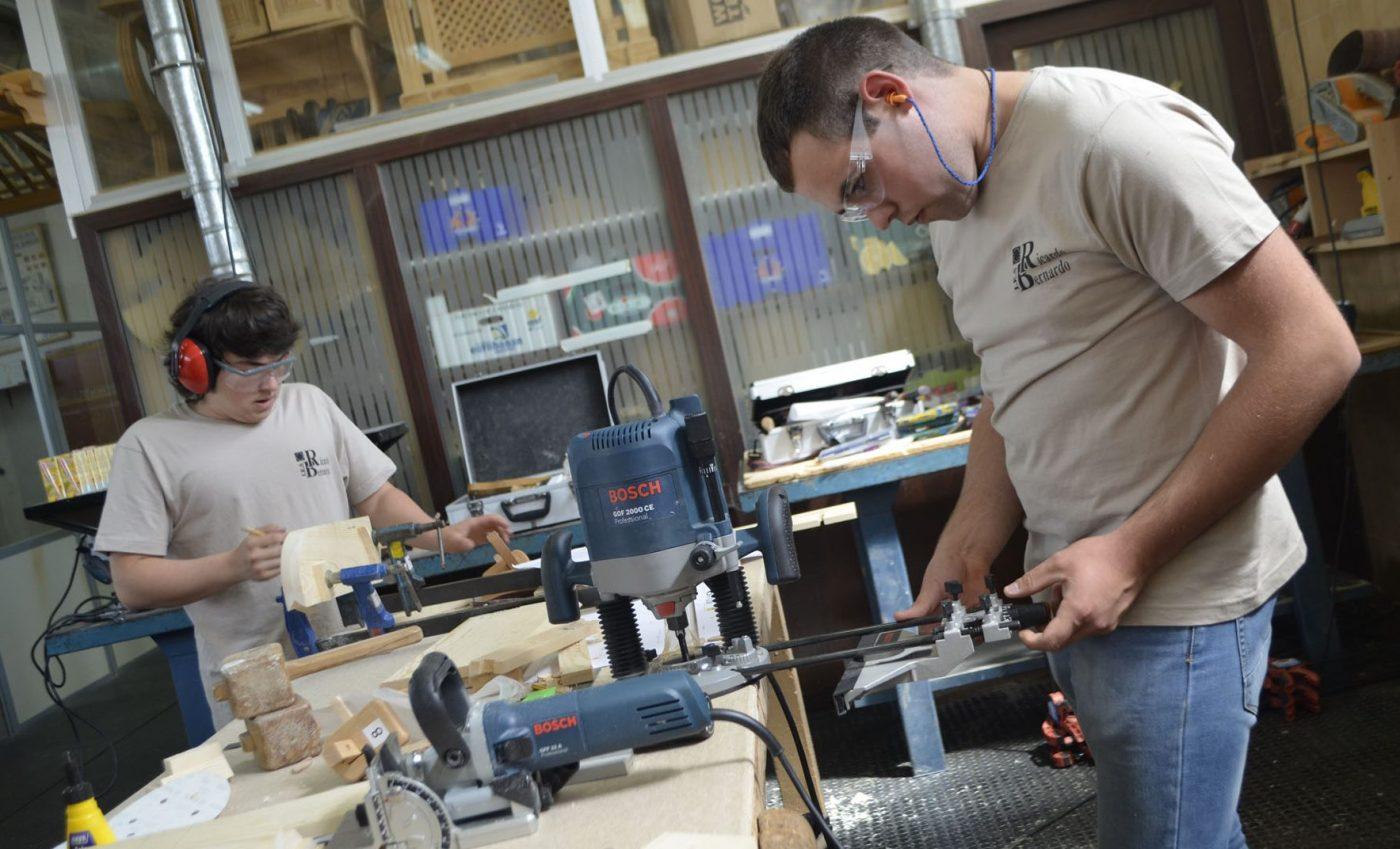 La pasión por la madera reúne a BOSCH con profesorado y alumnos de formación profesional