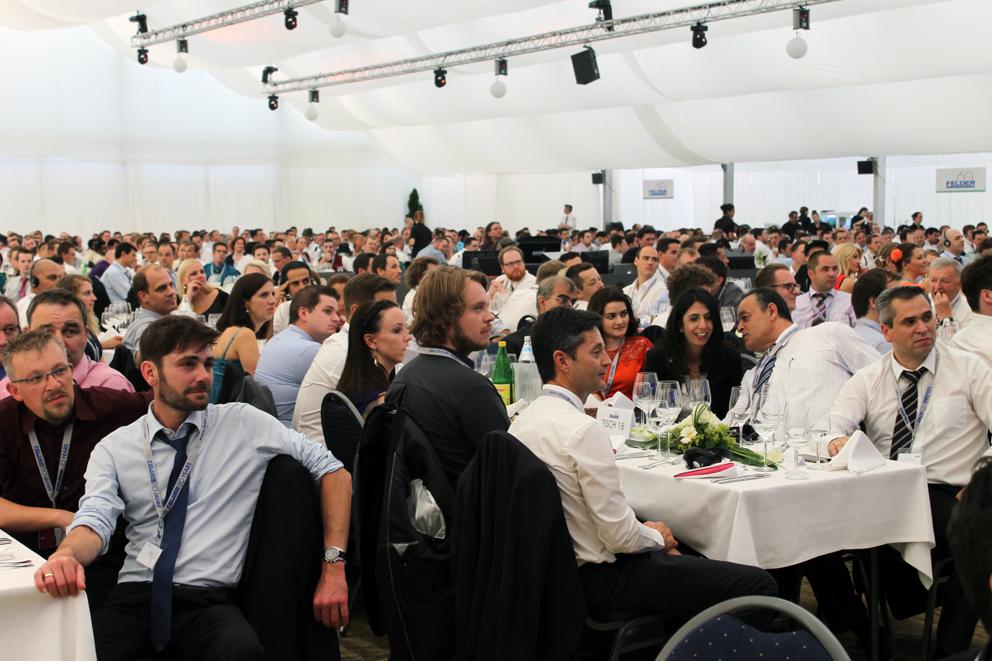 FELDER GROUP suma 1.500 empleados en todo el mundo, y practica una política de inversión continua. Año tras año.