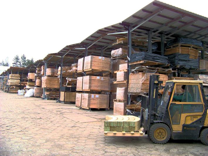Estanterías cantiléver para arcos de madera laminada