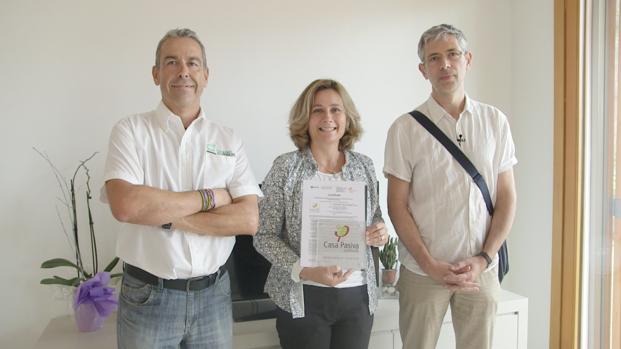 Jaime Llamas, , propietaria y Micheel Wassouf, certificador Passivhaus.