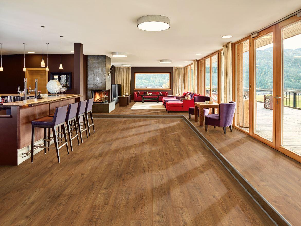 EGGER Design + incorpora los últimos avances tecnológicos en suelos de interior
