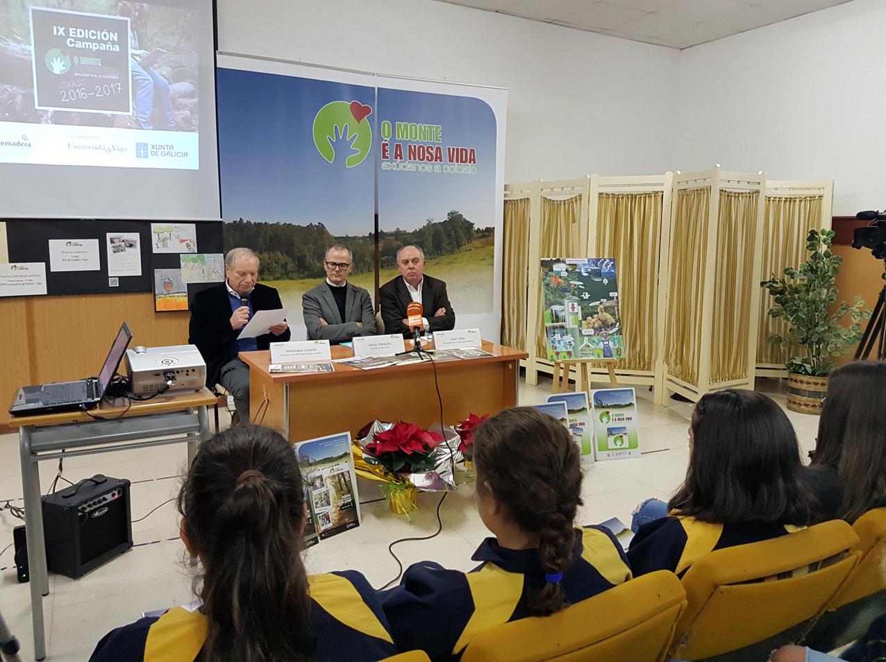 """La campaña """"O monte é a nosa vida"""" presenta la IX edición de su concurso escolar en Ourense"""