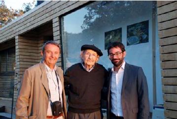 Jose Luis Rodríguez-Noriega de Mabitat Solutions, Agustín Ibarrola y el arquitecto Iban Jaén.