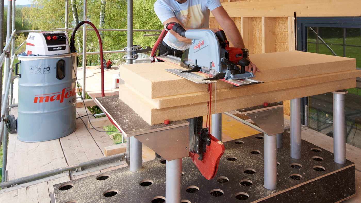 MAFELL lanzó en LIGNA la sierra de hilo para cortar aislante DSS 300 cc