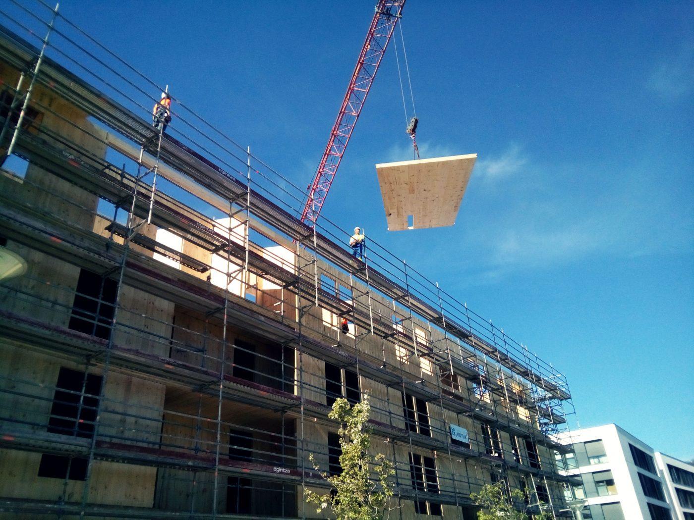 Curso de verano sobre la obra de 65 viviendas públicas con estructura industrializada de madera