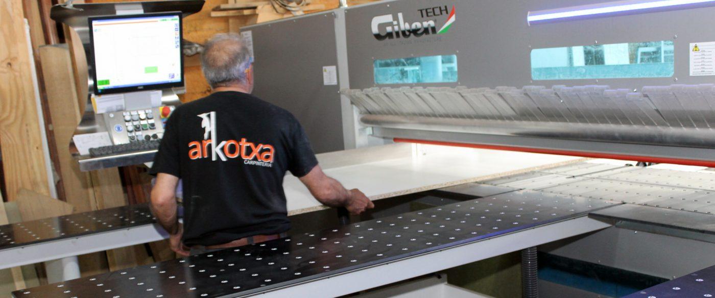 ARKOTXA incorpora a su taller una seccionadora GIBEN