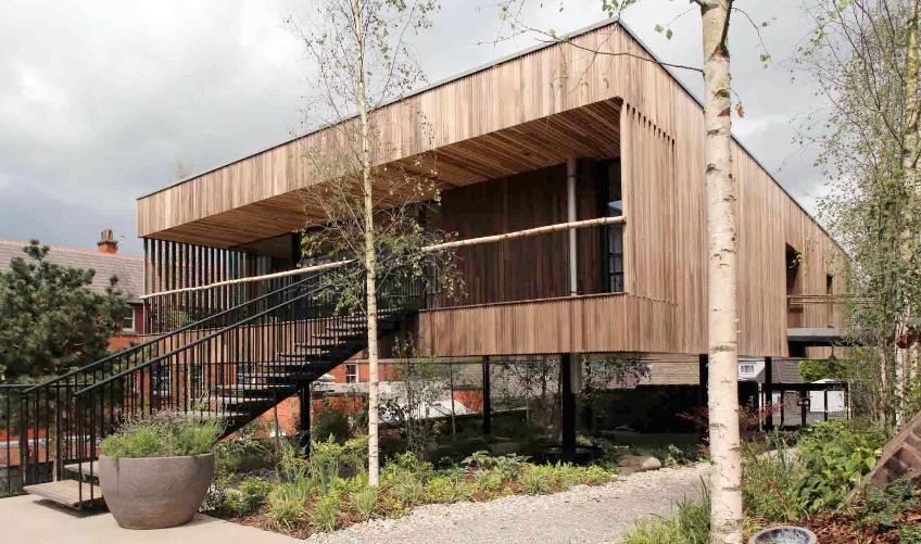 Primer edificio del mundo construido con madera contralaminada de Tulipwood