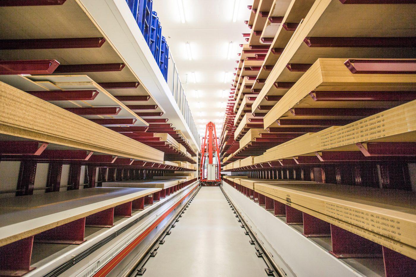 ROBERT FEHR: Nuevo almacén más eficiente