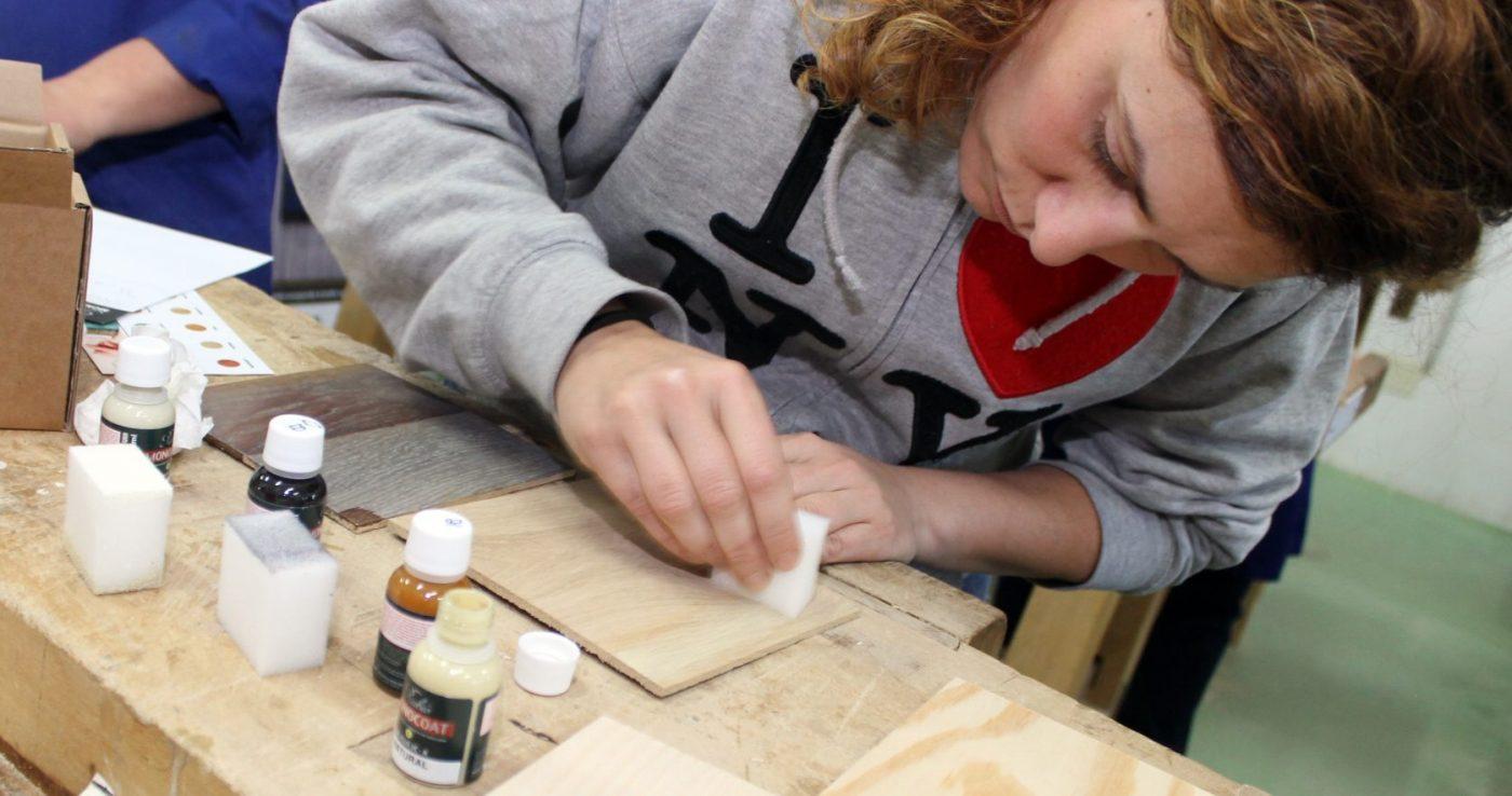 RUBIO MONOCOAT presenta su tecnología a los futuros profesionales de carpintería y ebanistería