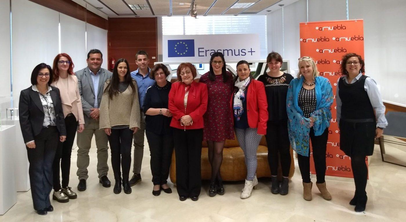 WOMEN IN POWER ayudará a las trabajadoras europeas a romper el techo de cristal para alcanzar puestos directivos