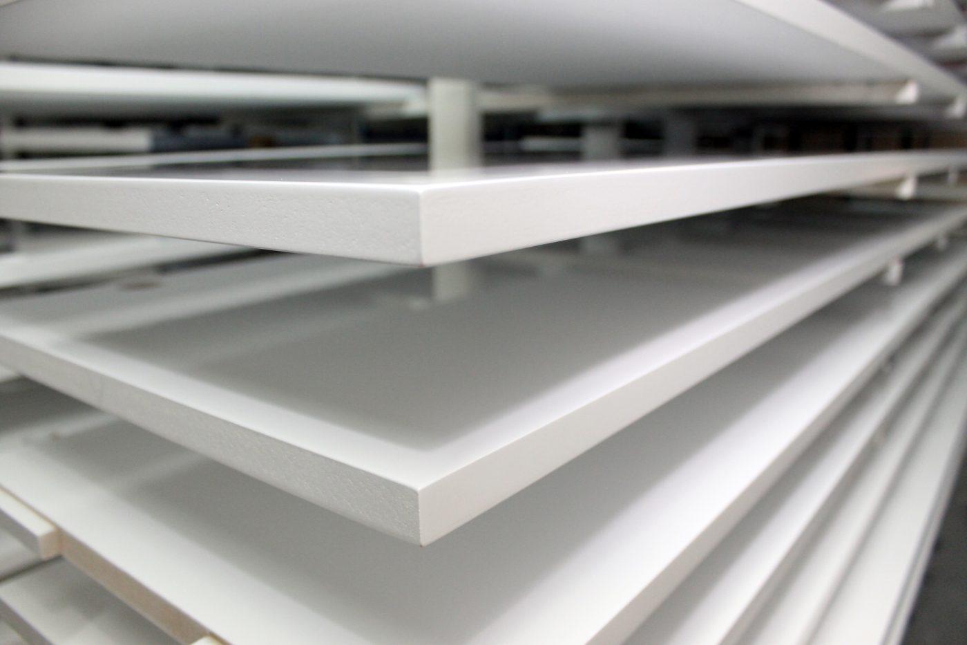 Carpinter A Y Lacados Escolar Alcanza Un Acabado Sobresaliente  # Muebles De Madera Sostenible