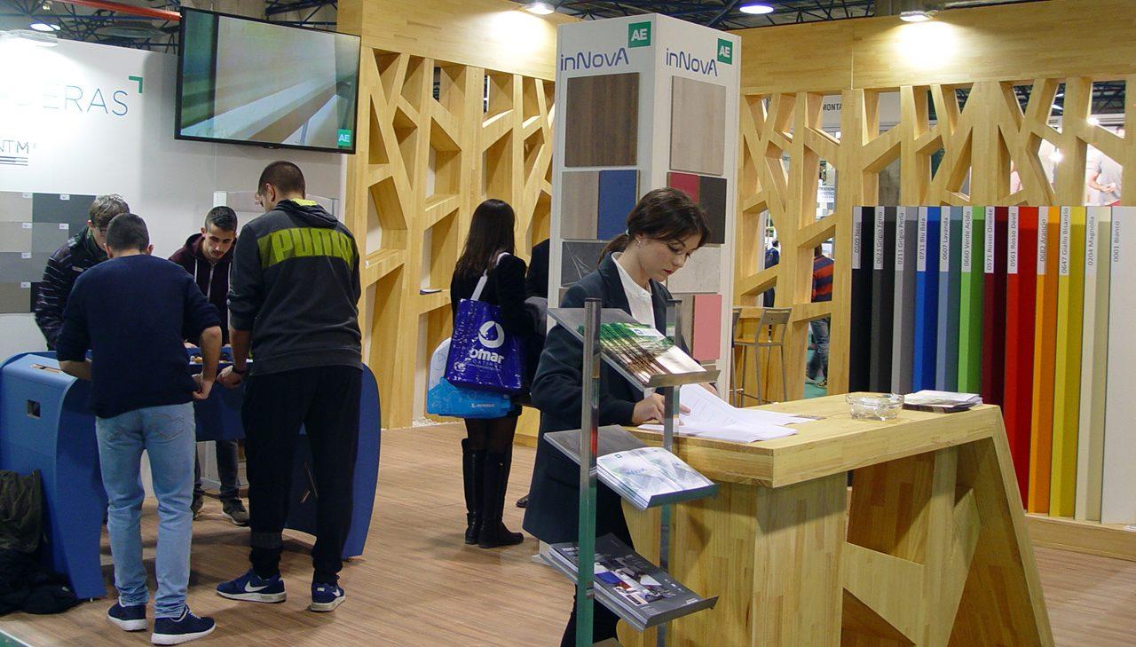 AE MADERAS exhibió en Maderalia sus tableros compactos y HPL