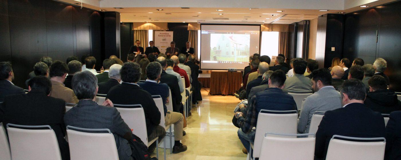 AEIM organizó una mesa redonda sobre madera modificada en fachadas y su uso adecuado en España