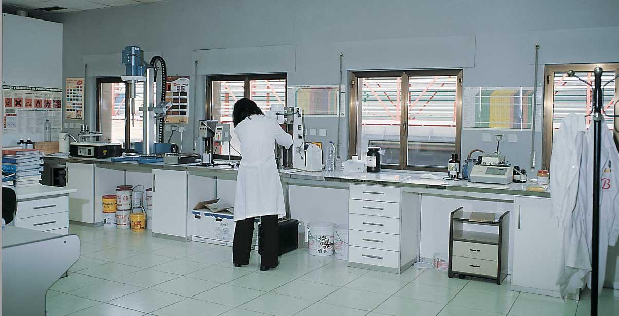 BARPIMO ofrece a sus clientes cursos de formación en barnizado
