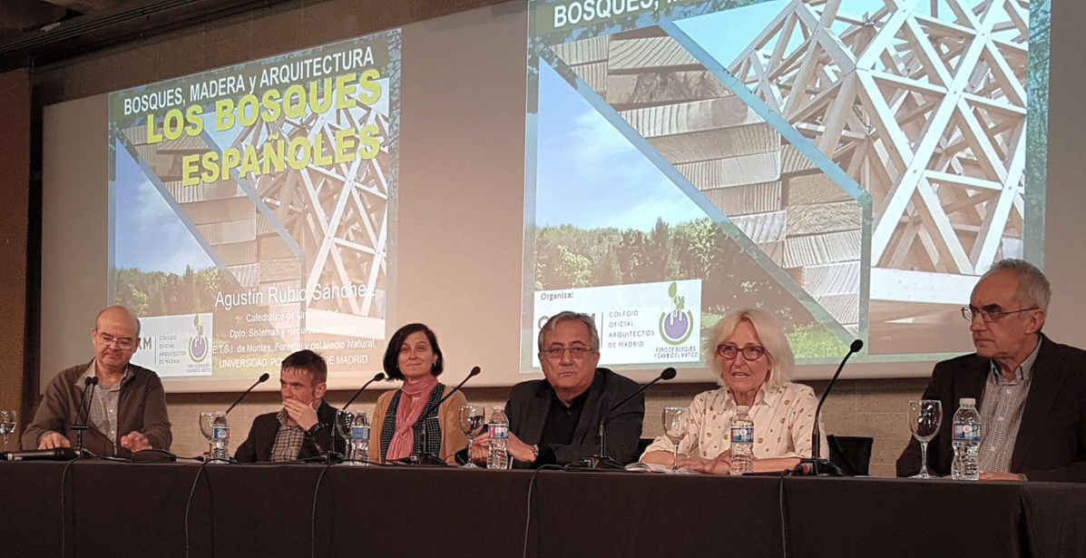 """La jornada """"Bosques, Madera y Arquitectura"""" destaca los beneficios de la madera para la construcción"""