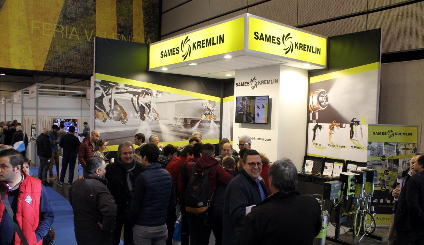 SAMES KREMLIN ofrece sus soluciones de aerografía a la industria de la madera