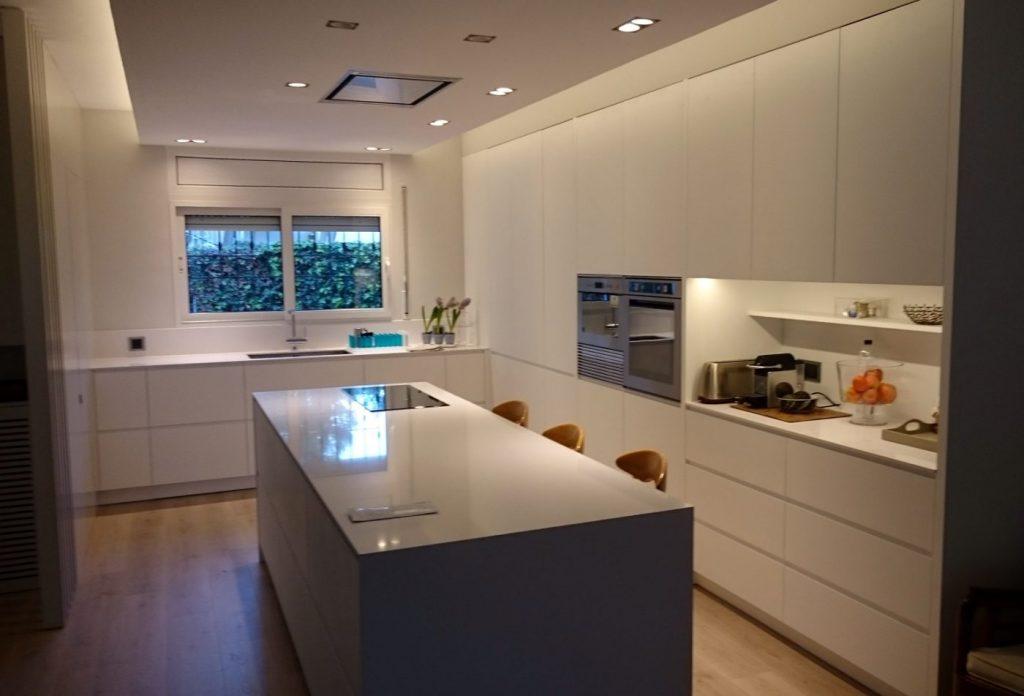 Fusvipe presenta un portfolio de espectaculares espacios interiores madera sostenible es un - Arquitectos interioristas barcelona ...