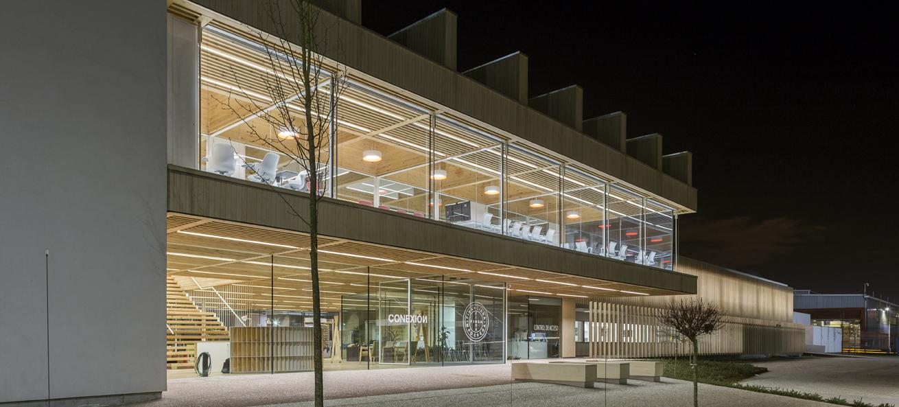 MILESI participa en la II fase de la rehabilitación de la fachada de las oficinas centrales de FINSA