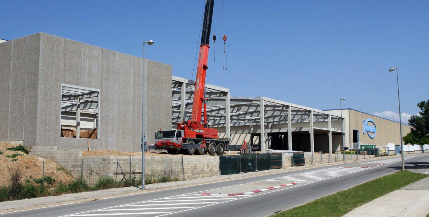 Muy avanzadas las obras de ampliación de la fábrica de VIRUTEX en Rubí