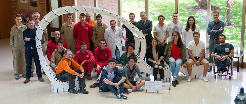 Alumnos de FP y de la Escuela de Arquitectura colaboran en un proyecto de diseño y fabricación de mobiliario