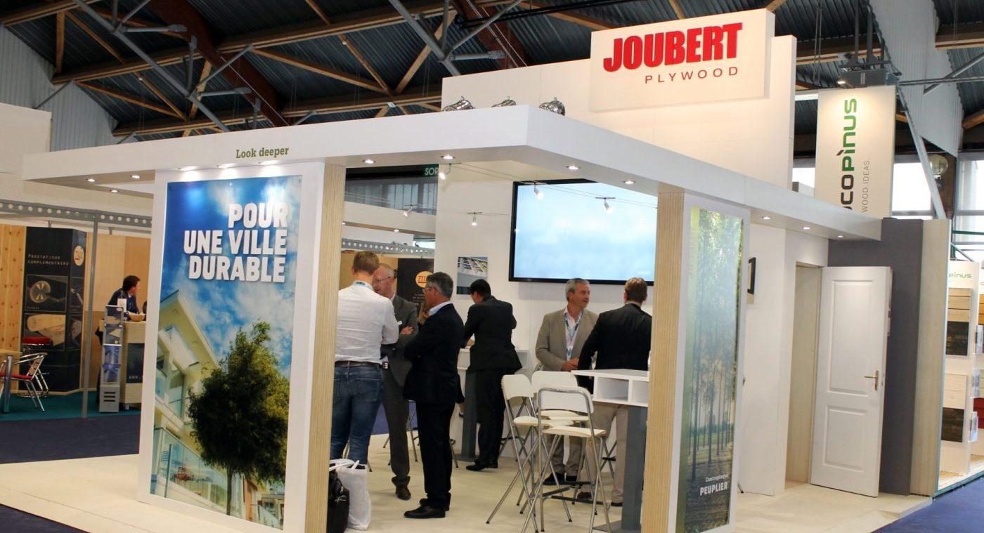 JOUBERT PLYWOOD exhibió las aplicaciones de su contrachapado en el CARREFOUR DU BOIS