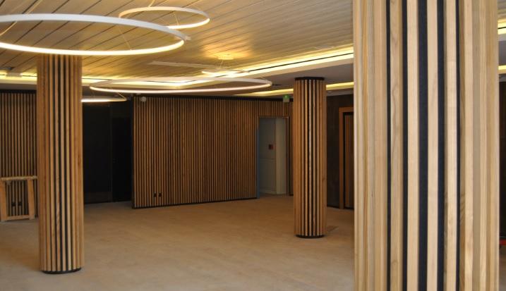 Idealux LT ofrece una absorción acústica eficaz