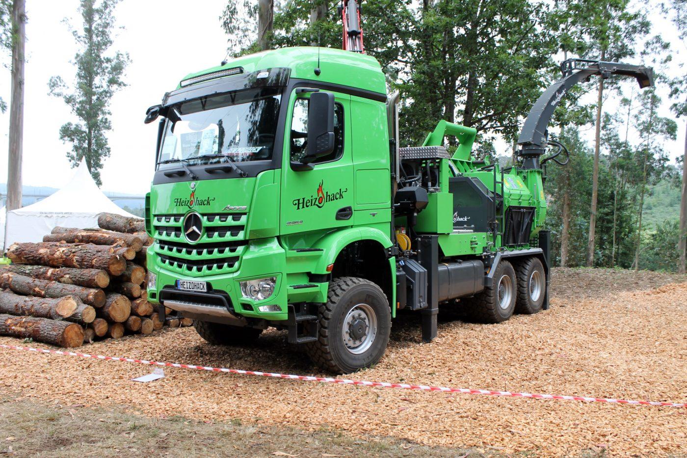 HEIZOMAT presenta el camión astillador Heizohack HM 14-860 KL