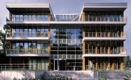 SIKKENS presenta una batería de soluciones para la ventana de alta durabilidad