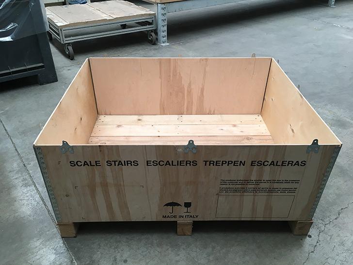 FONTANOT convierte una caja de embalaje de madera en un mueble