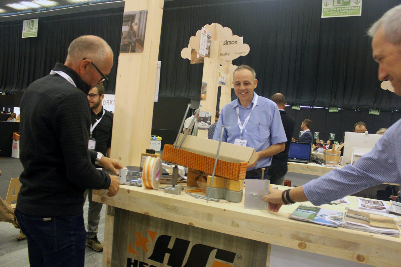 HECO prepara un nuevo catálogo de conectores en madera y mixtos