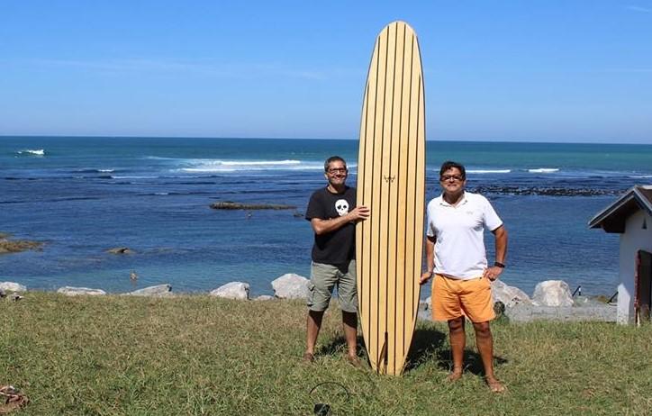 CARPINTERIA AGUADO lanzará al mercado una línea de tablas de surf de madera