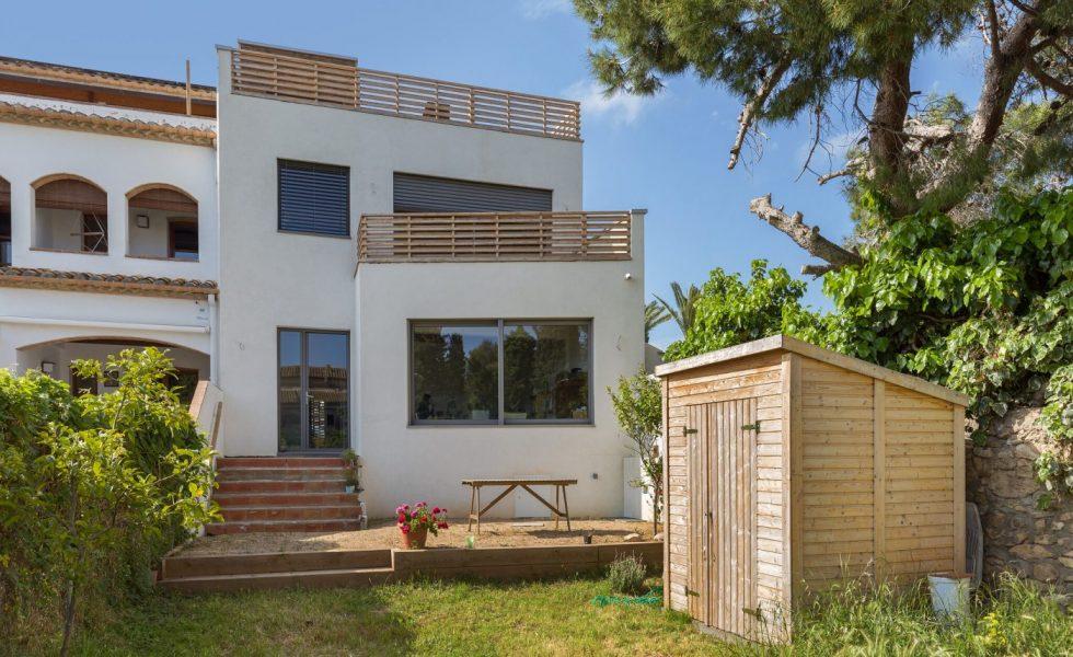 ARQUIMA construye una vivienda urbana que apuesta por la sostenibilidad