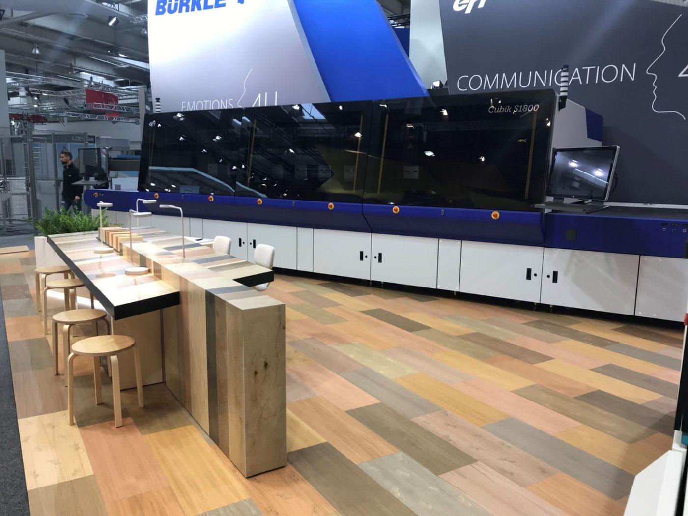 EFI™ se asocia con BÜRKLE para la comercialización de soluciones de decoración digital en madera con EFI Cubik