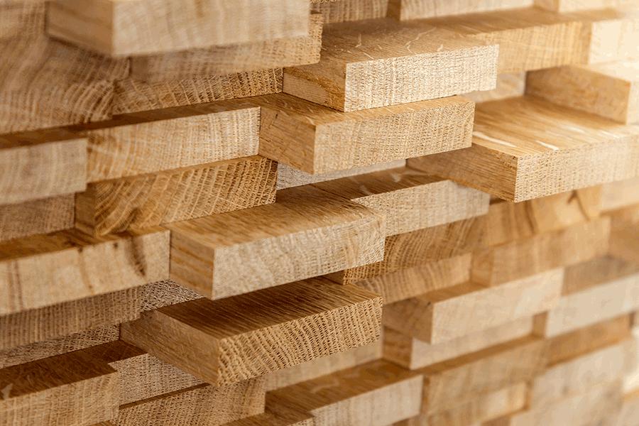 Tensiones en los precios y abastecimiento de madera y acero