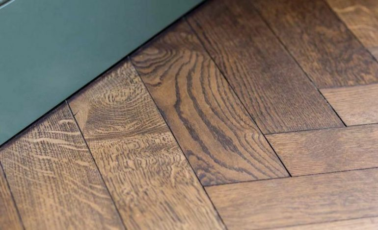 Cómo desinfectar las superficies aceitadas sin provocar daños en sus diseños