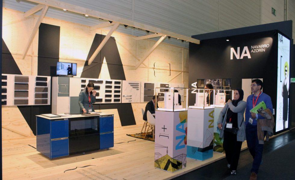 Diseños de YONOH en el stand de NAVARRO AZORIN en interzum