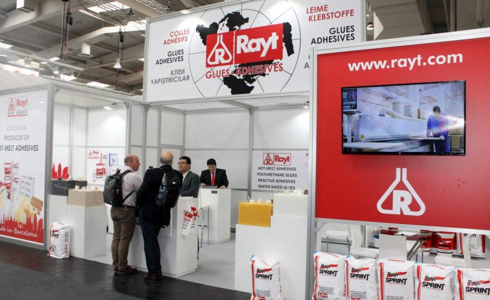 RAYT presentó en LIGNA nuevos sistemas adhesivos para la industria del mueble y la madera