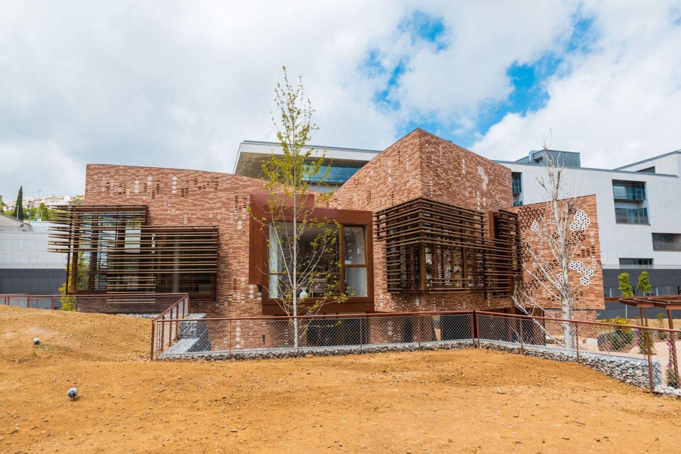 AHEC participa con madera de tulipwood termotratado en el nuevo edificio Kálida Sant Pau de Barcelona