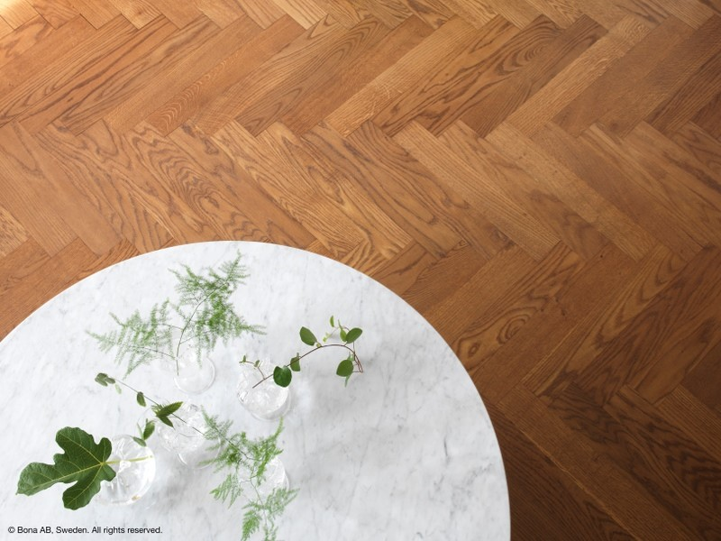 Los barnices al agua de BONA, una gran opción para los suelos de madera