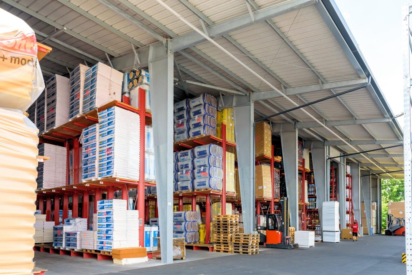 SCHÖNREITER: Almacenamiento adaptable de materiales de construcción