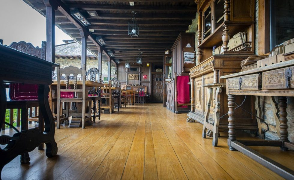 El Palacio de Canedo recupera sus suelos de madera del S.VIII con BONA Traffic